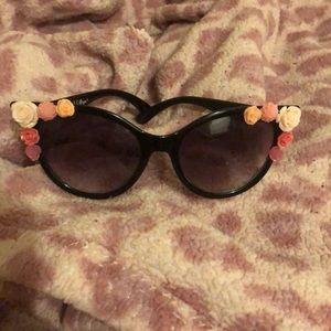 AJ Morgan Cat Eye Rose Bud Black Sunglasses